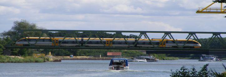 Mittellandkanal und Bahn