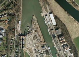 Luftbild der Schachtschleuse Minden - Frühjahr 2011